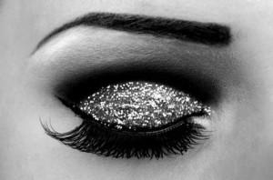 Invista-sombra-prata-glitter-compor_ACRIMA20111226_0157_23