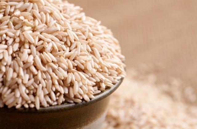 Alimentos integrais - arroz integral - doutissima - iStock