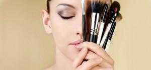 pincel-de-maquiagem-az-perfumes