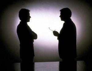 homens-conversando-300x231