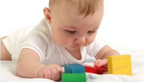 baby_with_toys