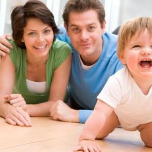 crianca-engatinhar-pais-estimulo-size-598