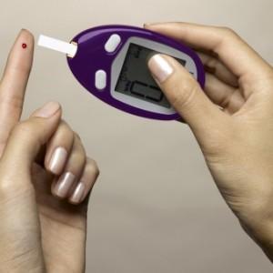Diabetes-aparelho-glicemia-hg-20100525