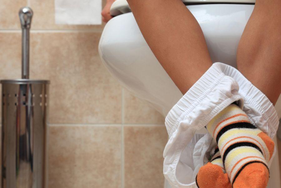 Pais afirmam que, na privada, só com laxante