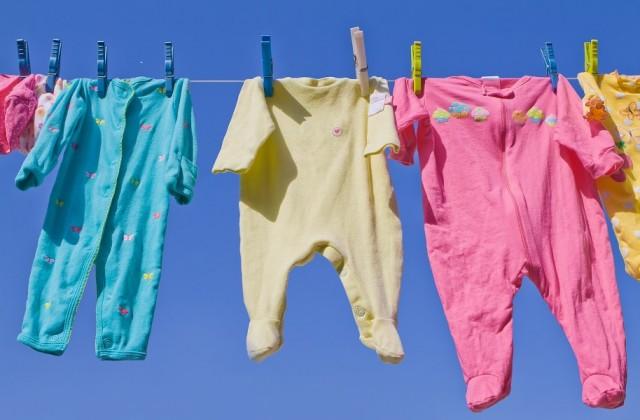 lavar roupa bebe