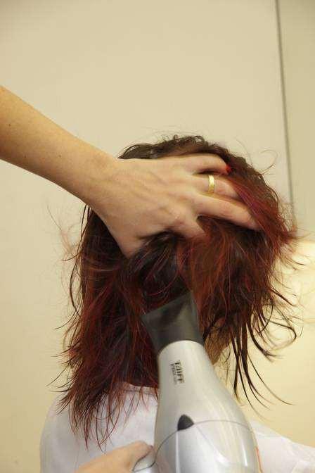 dip-dye hair