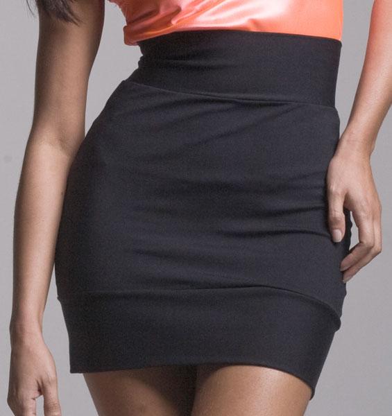 29a46b2d33 Saia justa valoriza o corpo e nunca sai da moda  confira as dicas sobre  esse coringa feminino - Moda - Doutíssima