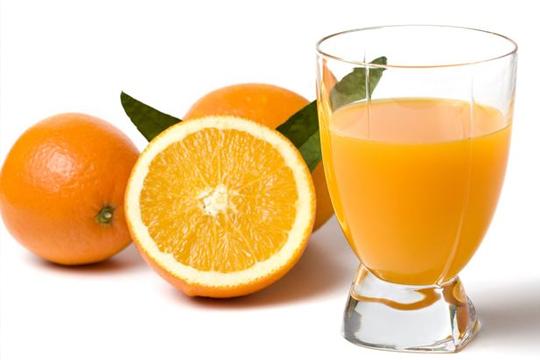 substituir a água pelo suco de laranja
