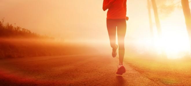 Corrida também aumenta a nossa queima calórica e a nossa taxa metabólica. Foto: Shutterstock