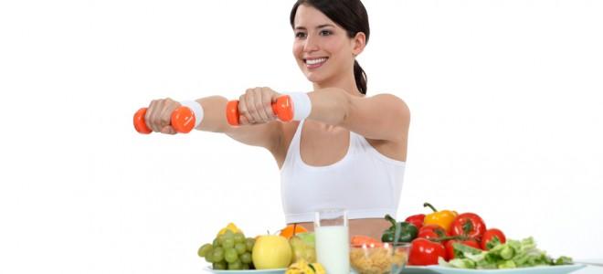 Alimentação concede a energia necessária para encarar um treino de musculação. Foto: Shutterstock