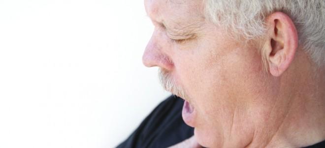 Taquicardia e dificuldades para respirar são alguns sintomas da pressão alta. Foto: Shutterstock