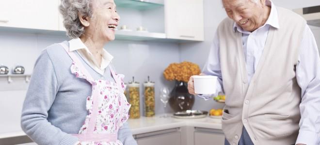 Pessoas com que vivem mais costumam ter bons pensamentos e atrair boas energias. Foto: Shutterstock