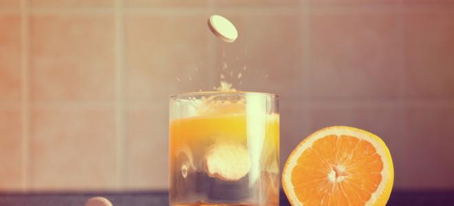 Máscara caseira de vitamina C para o rosto utiliza uma pastilha efervescente. Foto: Shutterstock