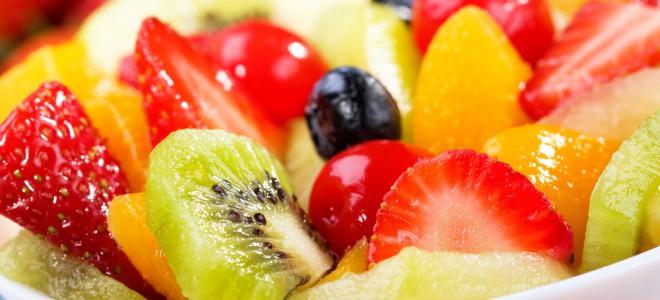 Ao consumir frutas, o corpo humano aumenta a sua capacidade de funcionamento. Foto: Shutterstock