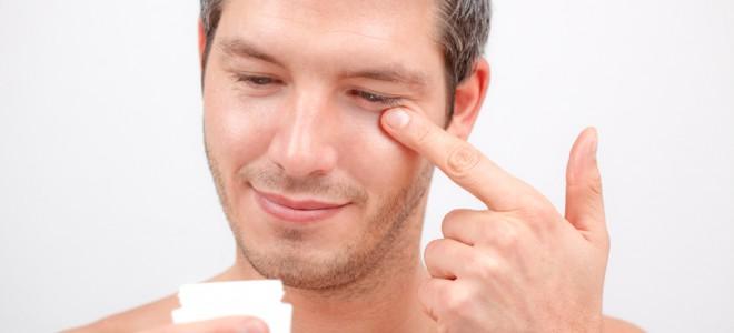 Pele masculina é mais espessa, oleosa e possui uma maior quantidade de pelos. Foto: Shutterstock