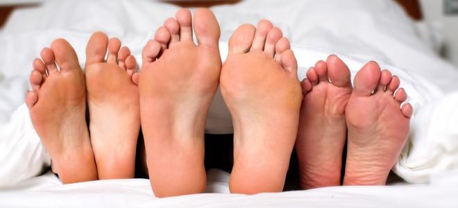 Sexo entre três pessoas é uma das fantasias comuns entre homens e mulheres. Foto: Shutterstock