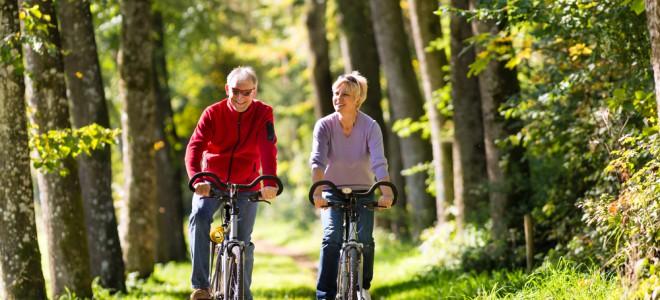 Em uma hora de pedaladas, é possível queimar cerca de 840 calorias. Foto: Shutterstock