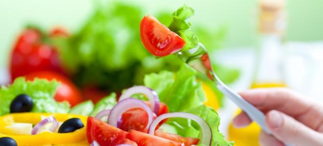 Busque receitas para facilitar a inclusão de comidas saudáveis na sua refeição. Foto: Shutterstock