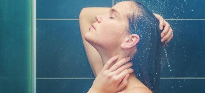 Cauterização capilar é técnica de hidratação profunda que não alisa os fios. Foto: Shutterstock