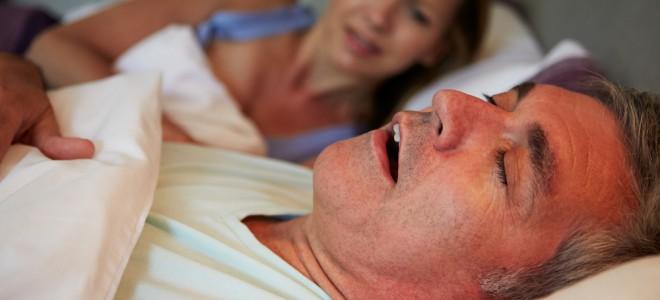 O ronco pode indicar a existência de algum problema relacionado ao coração. Foto: Shutterstock