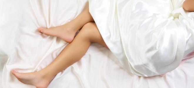 Síndrome das pernas inquietas pode se manifestar nos momentos de repouso. Foto: Shutterstock