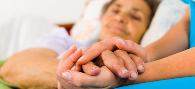 Pessoas que dormem poucas horas possuem maior chance de desenvolver a demência. Foto: Shutterstock