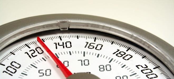 Um dos benefícios do exame de bioimpedância é o diagnóstico de obesidade. Foto: Shutterstock
