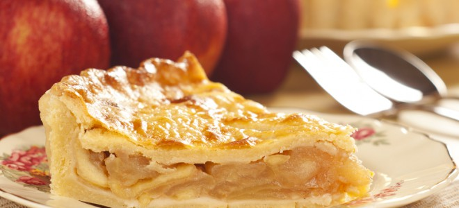 Torta de maçã é uma excelente receita para quem tem intolerância a glúten. Foto: Shutterstock