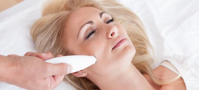 Tecnologia coloca à disposição das mulheres uma série de tratamentos antirrugas. Foto: Shutterstock