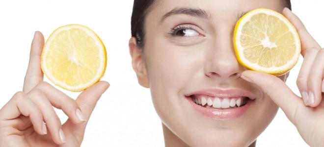 Vitamina C tem aparecido com frequência na composição de cremes para a pele. Foto: Shutterstock