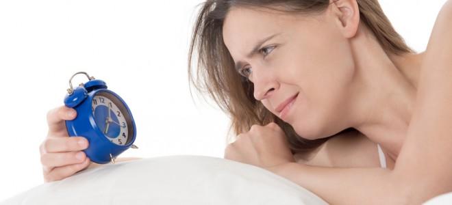 Dormir de estômago cheio atrasa o processo digestivo e prejudica o sono. Foto: Shutterstock