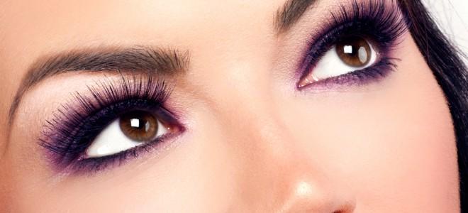 Para a sombra nos olhos, o ideal é optar por cores que valorizam o seu olhar. Foto: Shutterstock