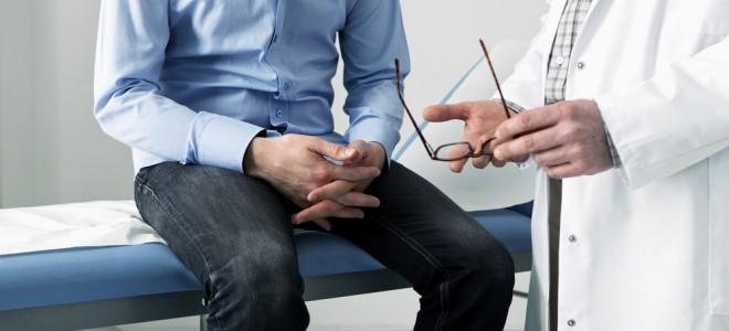 Em casos de infertilidade, homem deve buscar auxílio médico para o tratamento. Foto: Shutterstock