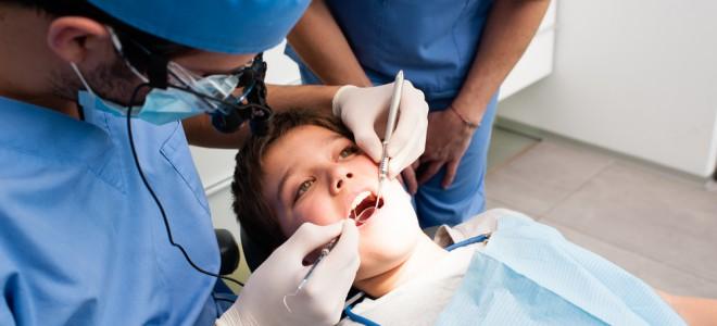 Quando a criança se sente mais segura, o medo de dentista tende a desaparecer. Foto: Shutterstock