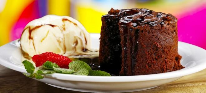 petit-gateau-de-chocolate-sem-açúcar