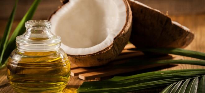benefícios-cosméticos-do-óleo-de-coco
