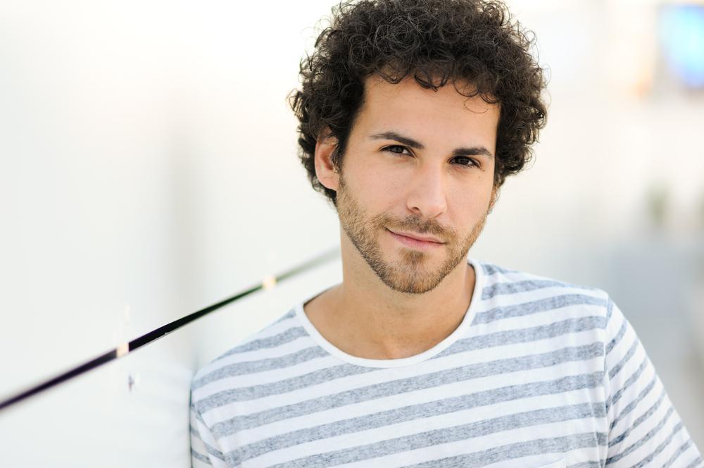 Fabuloso Opções de corte de cabelo cacheado masculino MJ54