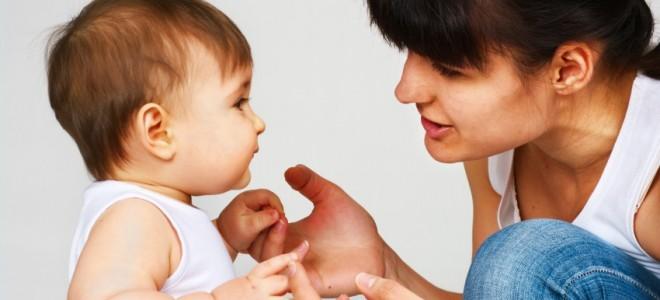 estimular-o-bebê-a-falar