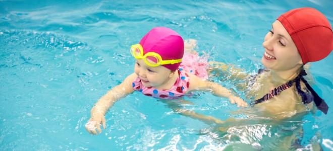 natação-para-bebês