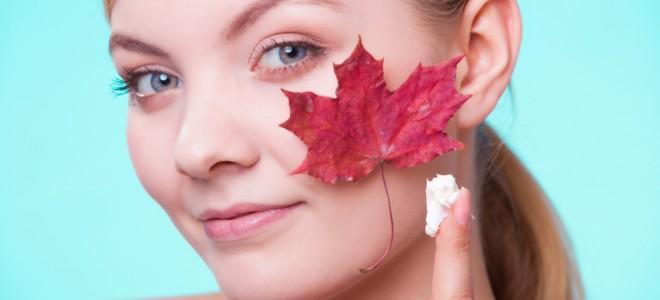 Máscaras faciais estão entre as soluções para acabar com a pele seca. Foto: iStock, Getty Images