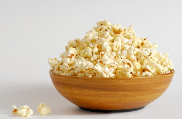 Fonte de fibras e antioxidantes, a pipoca faz bem desde que consumida com moderação. Foto: iStock, Getty Images