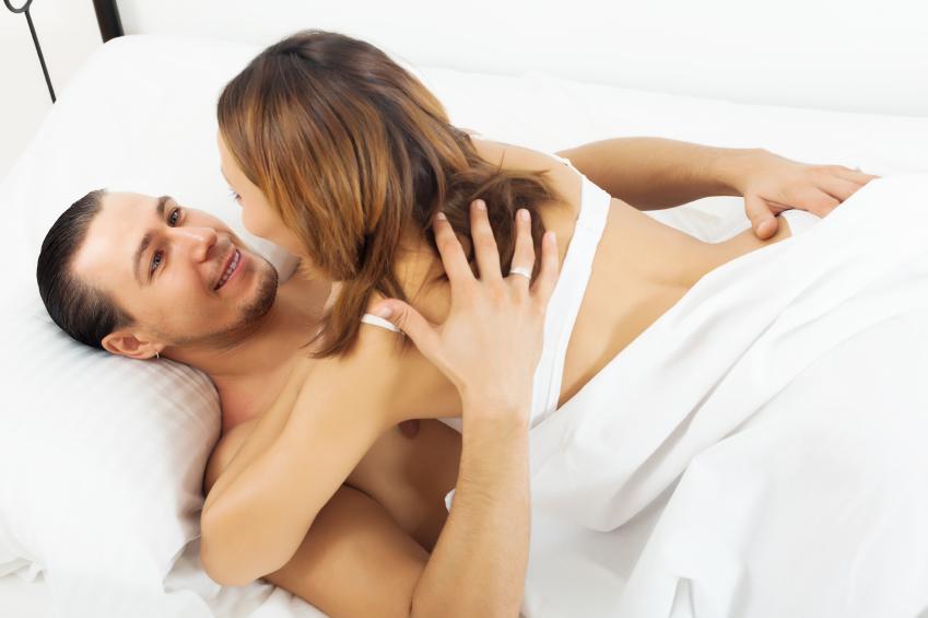 Married cople seduce bisex pretty girl