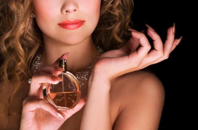 como passar perfume