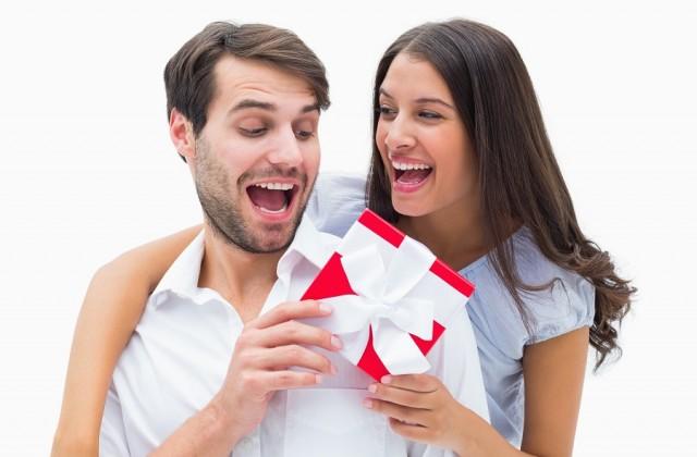 Os homens adoram quando a mulher faz parte do presente