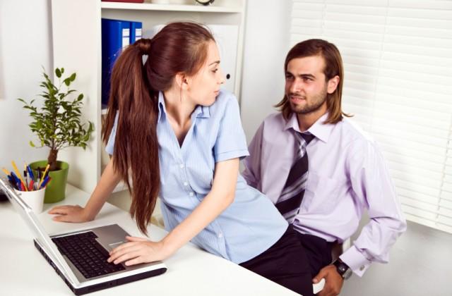 Saiba os limites do sexo no escritório