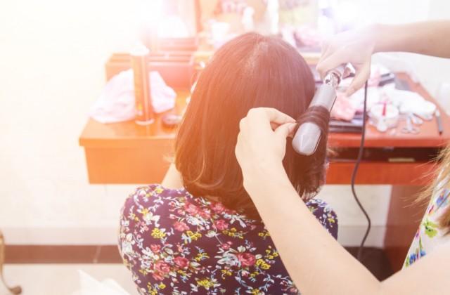 como enrolar o cabelo