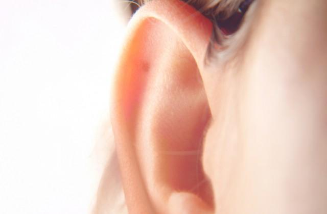 pelos na orelha