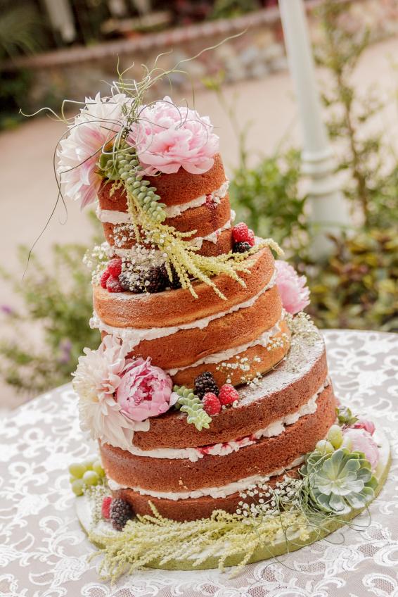 Veja Como Preparar Bolo De Casamento Simples
