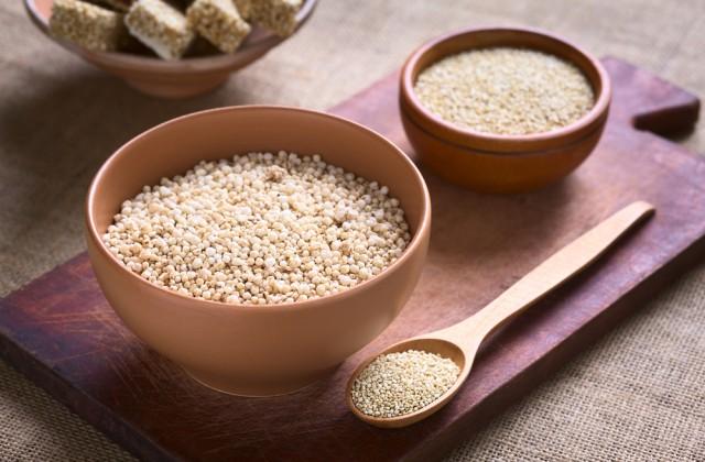 alimentos ricos em proteínas quinoa