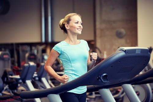A prática regular de exercícios físicos ajuda a manter o organismo e o coração saudáveis. Foto: Shutterstock